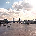 Themse mit Tower Bridge